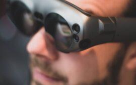 Cosa Vogliono Le Persone - Foto Di Uomo Con Visore Per La Realtà Aumentata